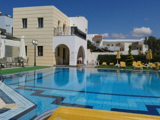 Artemis Apartments Photo