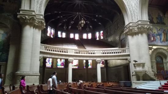 Palo Alto, Kaliforniya: Inside the church