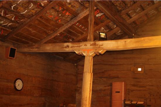 Samsun, Türkiye: Göğceli Camii'nin içi. Camiinin inşaatında hiç çivi kullanılmamış.