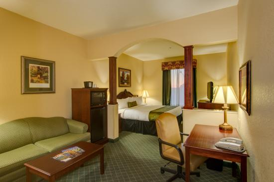 Bowling Green, FL: King Suite