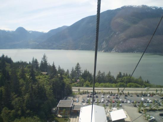 Squamish, แคนาดา: Gliding to the top