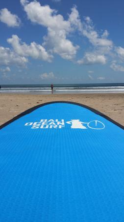 Double Six Beach: surf lessons