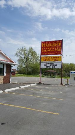 Haugen's Chicken Barbecue: You have to eat here 😆