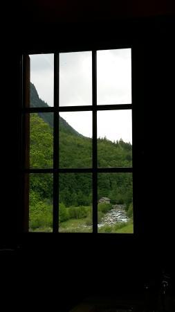 Ala di Stura, Italië: Dalla finestra...