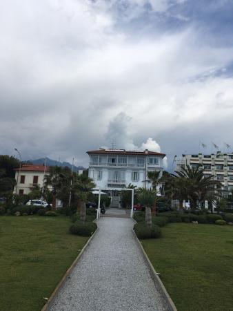 Villa Grey Photo