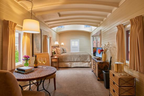 Napa Valley Railway Inn: Railcar King Caboose