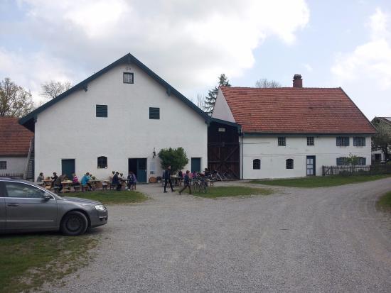 Schoengeising, Duitsland: Eingang zum Bauernhofmuseum