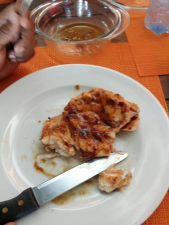 Cafe Raices Bebidas y Fondu: the chicken