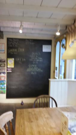 Kettlewell, UK: lounge and dining