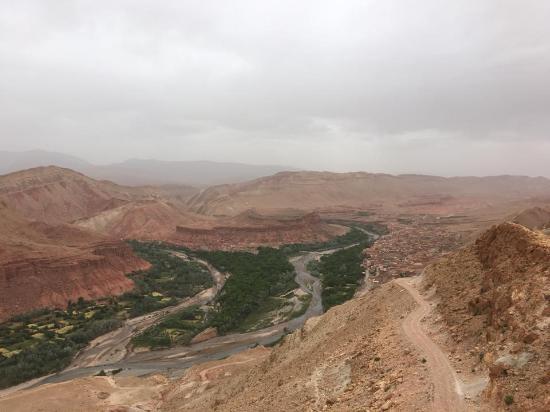 Sahara Atlas Tours -Day Tours : BOUTGHRAR