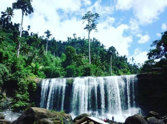Campawasan Curtain Falls This Majestic View Captivate Us From The First Sight