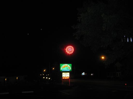 Brookside Motel : 4th of July