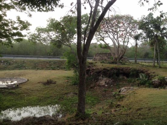 Hotel Uxmal Resort Maya: jardín anterior