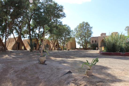 Auberge Ksar Sania: Earthen eco-tents. An inexpensive option. Shared baths