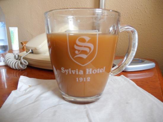 Sylvia Hotel: Love the coffee mug