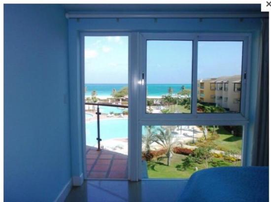 Oceania Deluxe Beachfront Resort: photo8.jpg