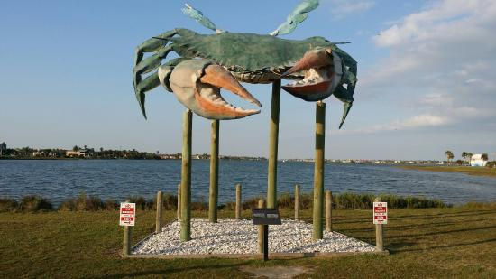 Rockport, TX: Giant Crab statue