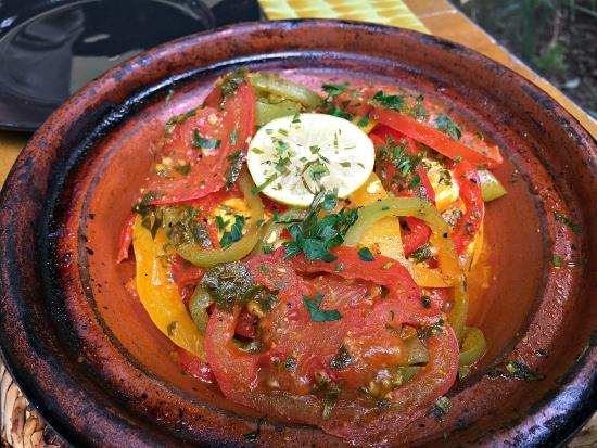 Marrakech-Tensift-El Haouz Region, Maroko: 魚のタジン鍋