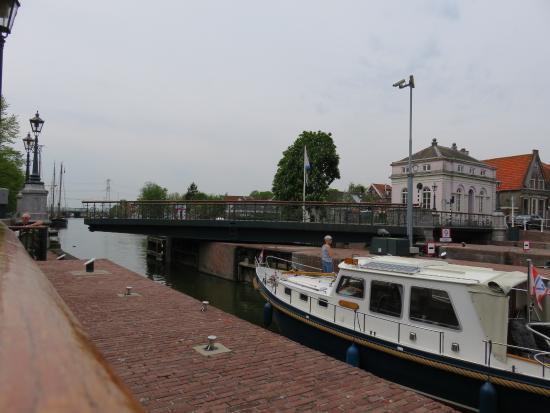 Muiden, Nederland: leaving the lock
