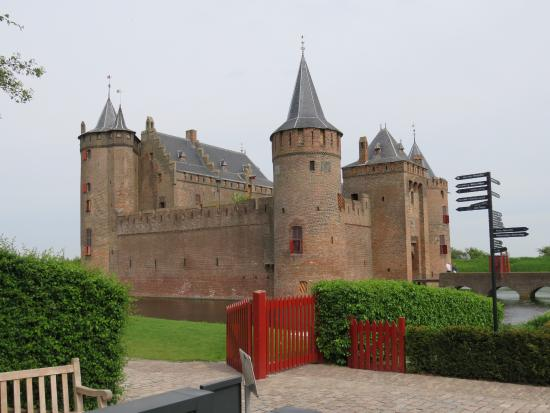 Muiden, Nederland: The castle!