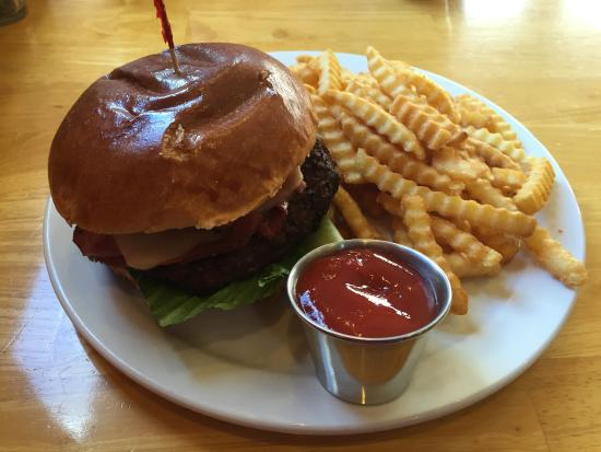 Smithers, Canadá: burger & fries