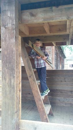 Fort Langley, Canadá: Building the cabin