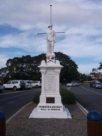 War memorial Tewantin