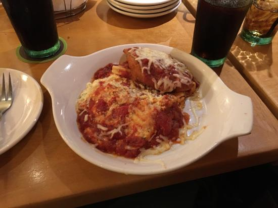 The New Chicken Parmigiana Lasagna Wasn 39 T As Advertised Mentioned Posting A Review The Waiter