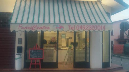 Albignasego, Italia: Fuori Centro