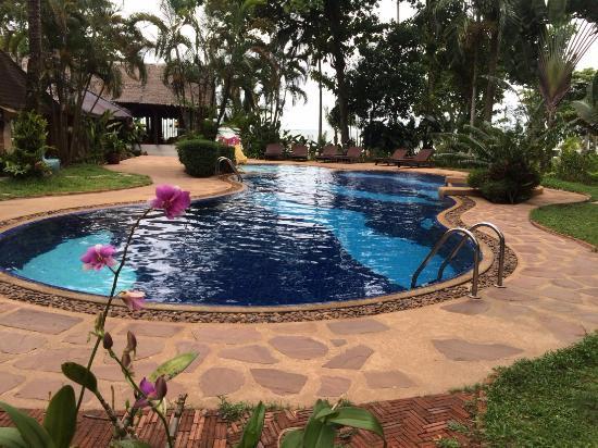 Koh chang cliff beach resort bewertungen fotos for Swimming pool preisvergleich