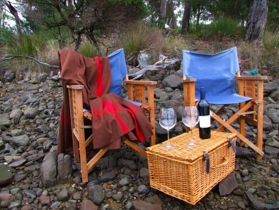 Clarence Point, Australia: Wine on the rocks