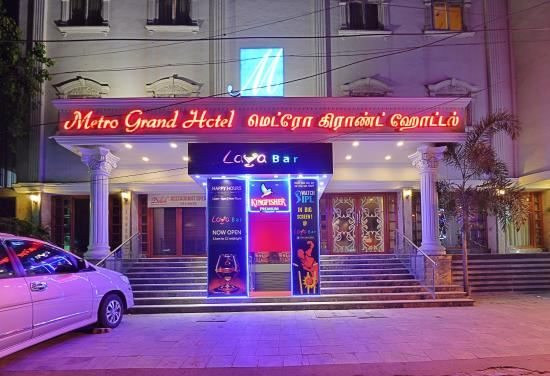 Metro Grand Hotel