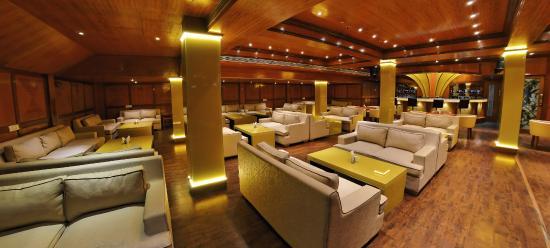 Metro Grand Hotel: Bar2