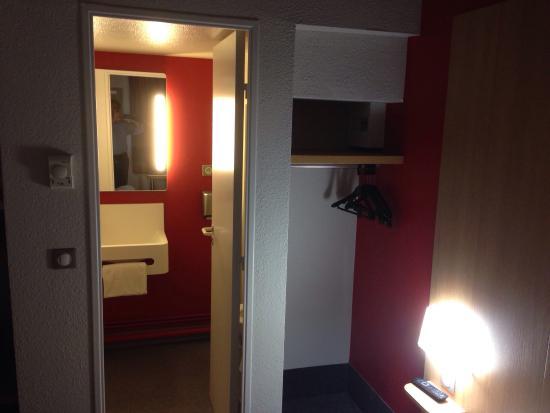 B&B Hôtel Auxerre 1 : photo1.jpg