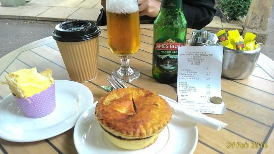 Ross, Australia: Lunch