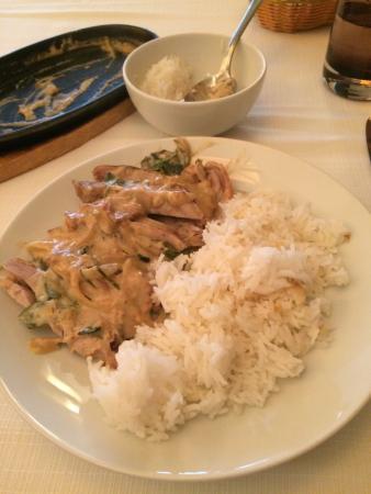 Focly: Canard laqué aux herbes Thaï et lait de coco et son riz nature.