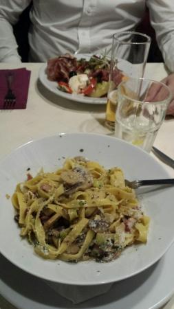 La Lupa Restaurant