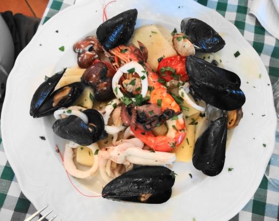 Trattoria Castel Dell  Ovo: Pâtes aux fruits de mer