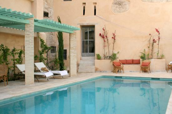 Riad Laaroussa Hotel and Spa: Pool