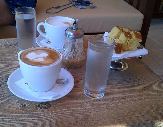 Korakas Beach: Coffee and Orange Cake
