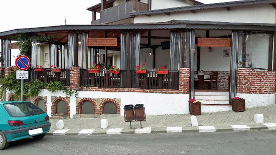 Vintage Restaurant & Grill