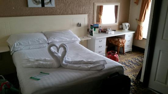 The Baron: Don't judge by the outside view. Nice and clean room with modern ensuite.