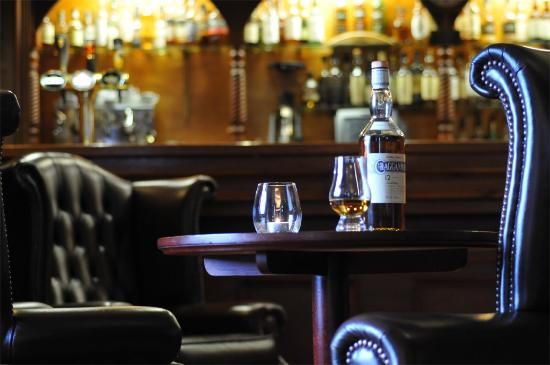 Boat of Garten, UK: Great whisky selection at the bar