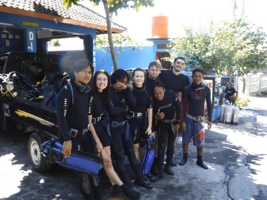 Tulamben, Indonesia: discovery scuba diver