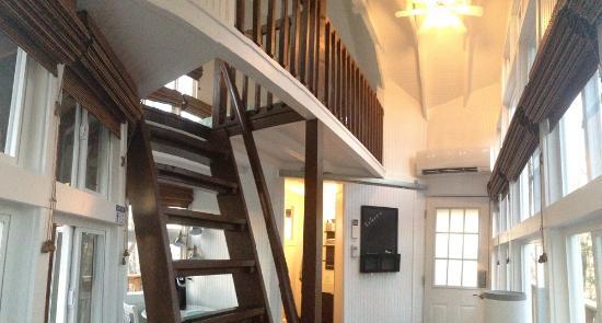 The Cottage: Inside the Sunrise Tree House 2