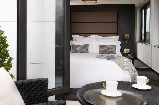 The Westbridge Hotel: Double Deluxe Room