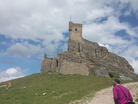 Atienza, España: Subinedo al castillo