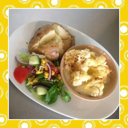 The Green Frog Cafe and Tea Room: homemade cauliflower cheese
