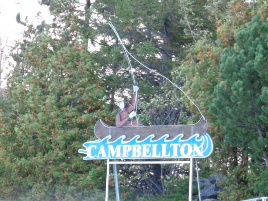 Campbellton sign at the Salmon Plaza