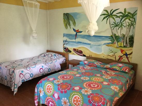 Camera Per Ospiti : Camera per gli ospiti picture of cabana tucan capurgana